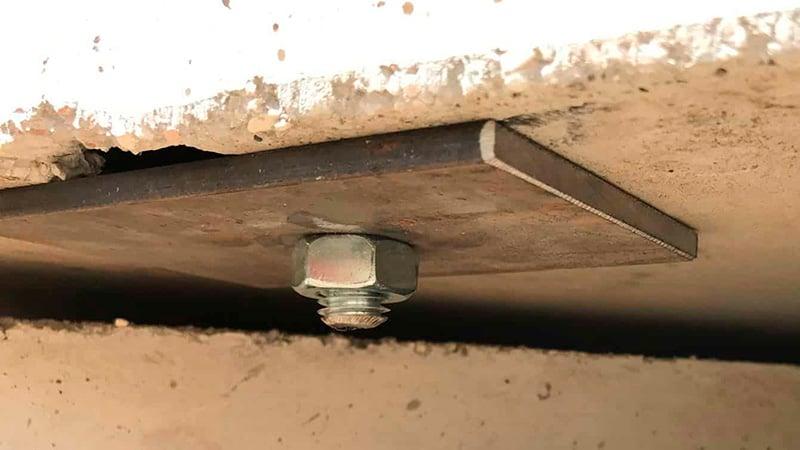 2 - Garage - Fissaggio parete al basamento